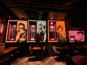 Hard Rock Cafe Piccadilly Inside